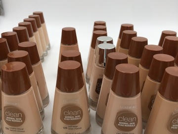 Liquidación / Lote Mayorista: 38 CoverGirl Clean Foundation, 9 shades