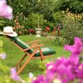 NOS JARDINS A LOUER: Jardin bucolique avec terrain de pétanque