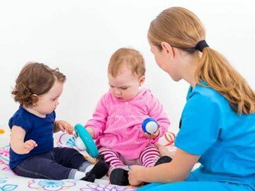 VeeBee Virtual Babysitter: Niñera / Sitter