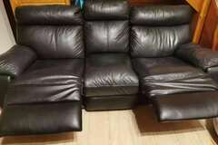 For Sale: 3+2 Lazyboy Sofa for sale only 400NZD