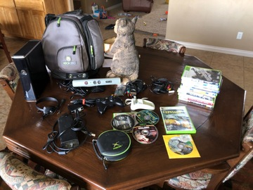 Liquidation/Wholesale Lot: Xbox 360 console bundle