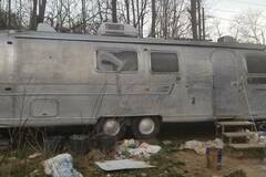 For Sale: 1969 Airstream Land Yacht Sovereign - 31' - Unrestored