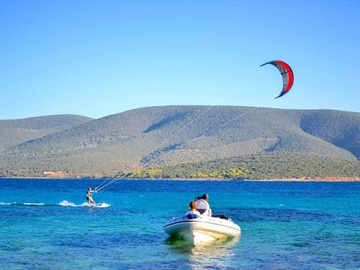 Course: 6hr Private Kitesurfing Boat Assisted Lessons