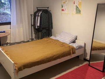 Renting out: Furnished room in shared female apartment
