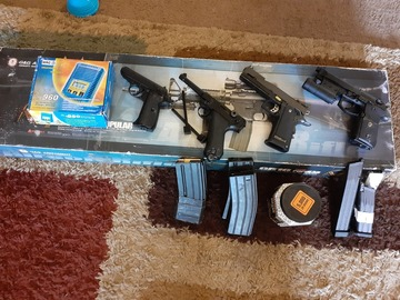 Selling: Assorted set of guns