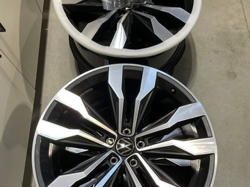 "Selling: OEM Volkswagen Atlas R Line Braselton 21"" Wheels"