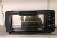 Selling without online payment: DeLonghi Electrical Oven Sfornatutto