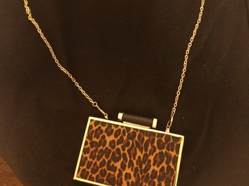 Selling with online payment: Clutch bag - leopard skin