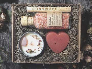 Selling: Bath Potion Romance