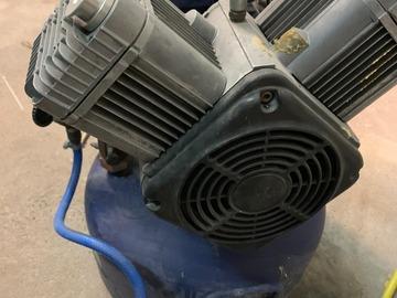 Gebruikte apparatuur: Durr 2 cilinder compressor met luchtdroger