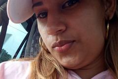 VeeBee Virtual Babysitter: Hola soy Arlys. Dispuesta a ayudar a su hija(o)