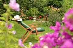 PETITES ANNONCES: Recherche joli jardin pour cocktail de mariage
