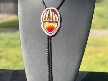 Selling with online payment: Bear Claw Bolo Tie