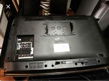 À vendre: 2 TV Samsung a réparer