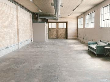 Hourly Rental: Industrial Brick Warehouse