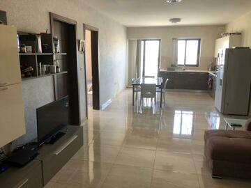 Rooms for rent: Double room for rent in shared apartment in Naxxar