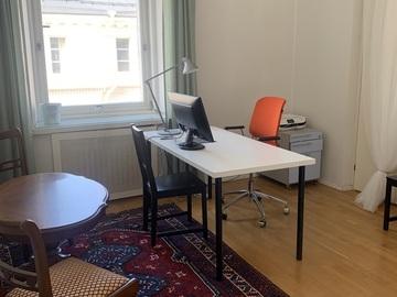 Renting out: Valoisa ja hiljainen 1-2 henkilön työhuone yhteistoimistossa