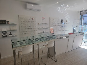 Selling with online payment: Optical Displays and Reception Desk