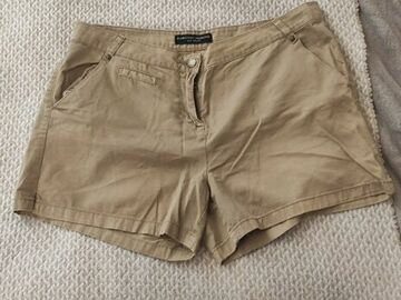 Selling without online payment: Camel shorts