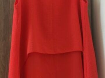 Selling without online payment: Red Sleeveless top