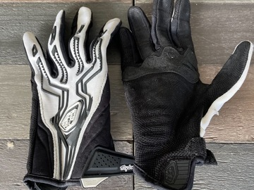 Selling with online payment: Troy lee design gloves