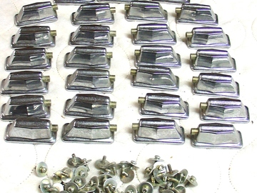 Selling with online payment: 27 Pearl type single sided lugs with mounting screws