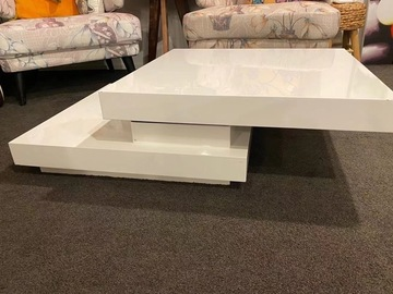 For Sale: 99% New White Acrylic Lacquer Coffee Table for Sale only 150NZD