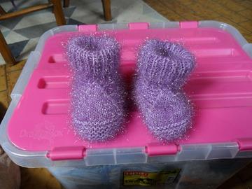 Vente au détail: chaussons bébé tricoter main 0/3 mois parme