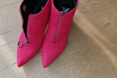 Verkaufen mit Online Zahlung: Stiefelette rot Größe 41