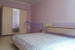 Rooms for rent: Big Double Room in Pietá