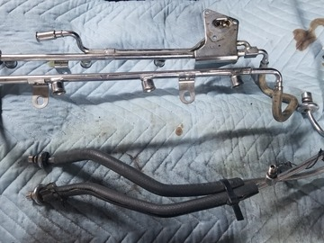 Selling with online payment: Fox Mustang Stock Fuel Rails