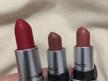 Venta: 1 labial Mac y 2 labiales Mac mini