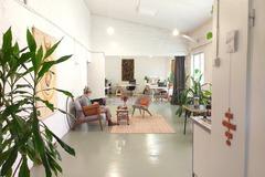 Renting out: Työhuonepaikka Kalliossa