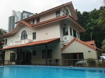 For rent: 3 storey Bungalow House in Mutiara Damansara
