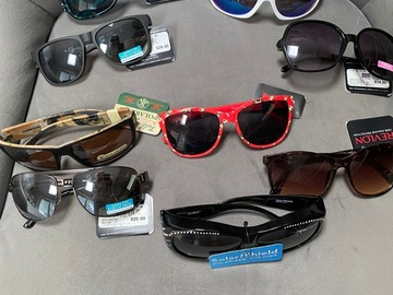 Liquidation/Wholesale Lot: 50 prs- Foster Grant Sunglasses--Retails $12.00- $25.00-- $2.49pr