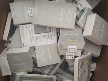 Liquidation/Wholesale Lot: Accessories for apple