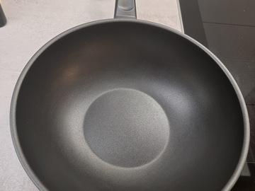 Selling: Wok Pan