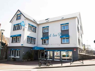 Location par jour: Hotel Les Pieux