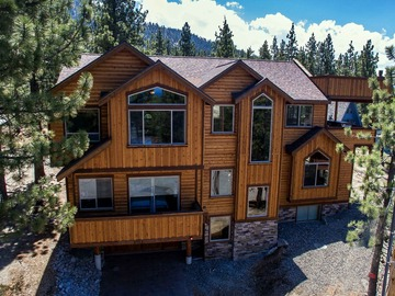 Retreat Package: 7 bedroom Lakeview Luxury Retreat House