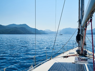 Offering: How Much Does It Cost To Hire A Boat Captain? - FAQ