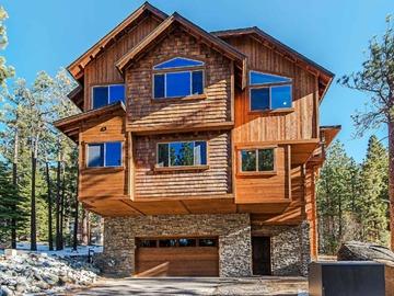 Retreat Package: 7 Bedroom Luxury Company Retreat Ski House