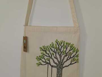 Myydään tavaraa tai tarvikkeita: Keinu - Ainutlaatuinen käsinmaalattu laukku