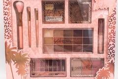 Bán buôn thanh lý lô: 8 Sunkissed Golden Wonderland Ultimate Face Palettes