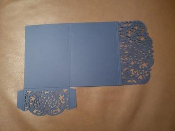 Ilmoitus: 39 kpl upeita sinisiä kutsupohjia