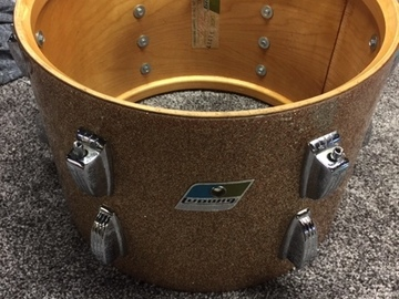 """Wanted/Looking For/Trade: WTB 22"""" Ludwig Bass / Champagne Sparkle"""