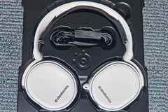 For Sale: Steelseries Arctis Surround Gaming Headset White for Sale