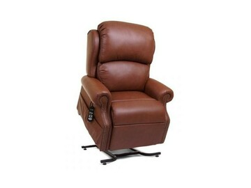 SALE: The Pub Lift Chair by Golden Technologies