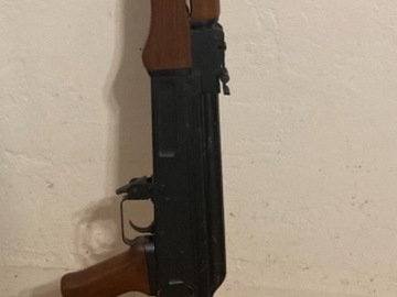 Selling: Tokyo Marui AK-47 and 6 mid caps