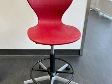 Gebruikte apparatuur:  bureaustoel