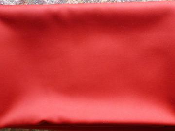 Vente: coupon tissu rouge